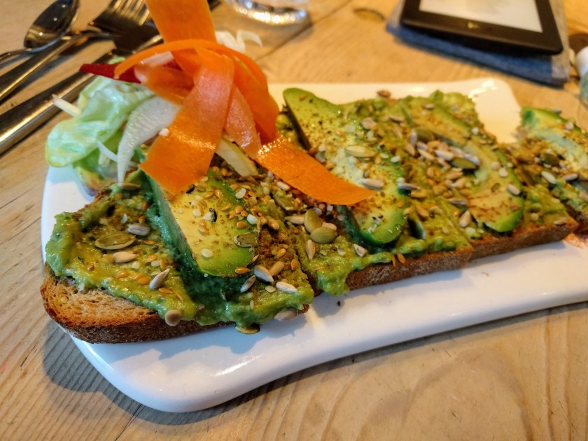Where to eat vegan food in London | avocado toast