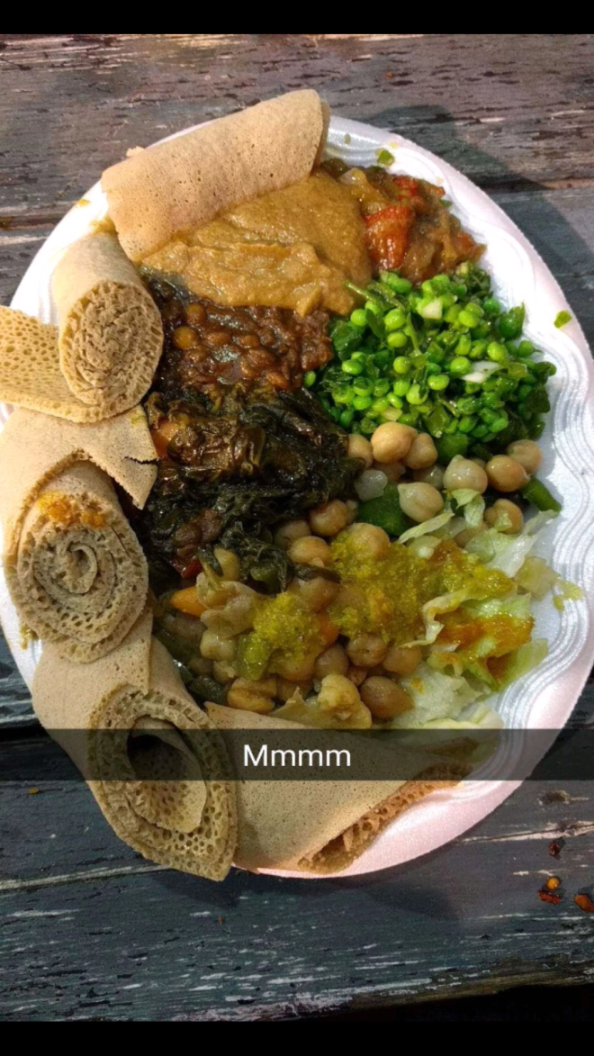 Where to eat vegan food in London | plate of Ethiopian food